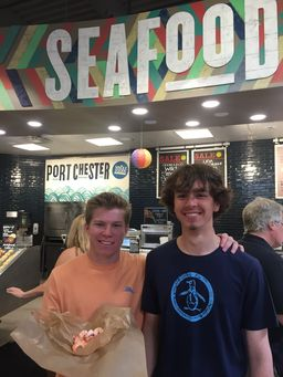 Marine Ecology Visits Whole Foods to Learn about Sustainable Fishing Practices