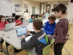 Middle School Students Explore Computer Science Concepts