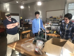 Alumnus Robotics Scientist Shares Expertise with Students