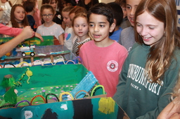 Knowledge Spotlight: Fourth Grade Students Display STEAM Projects