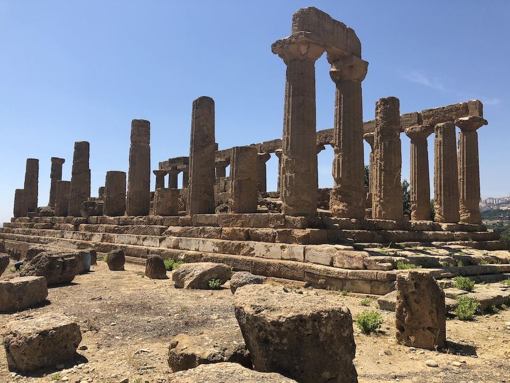 Citizenship Spotlight: RCDS Students Explore Ancient Civilizations and Connect Across Cultures in Sicily
