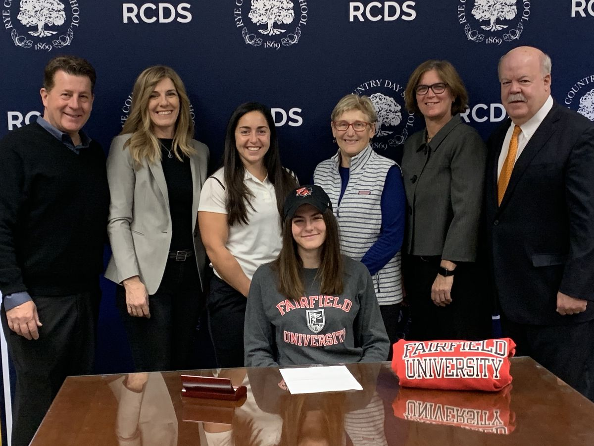 Juliette Grasso '20 Signs a National Letter of Intent for Division 1 Soccer