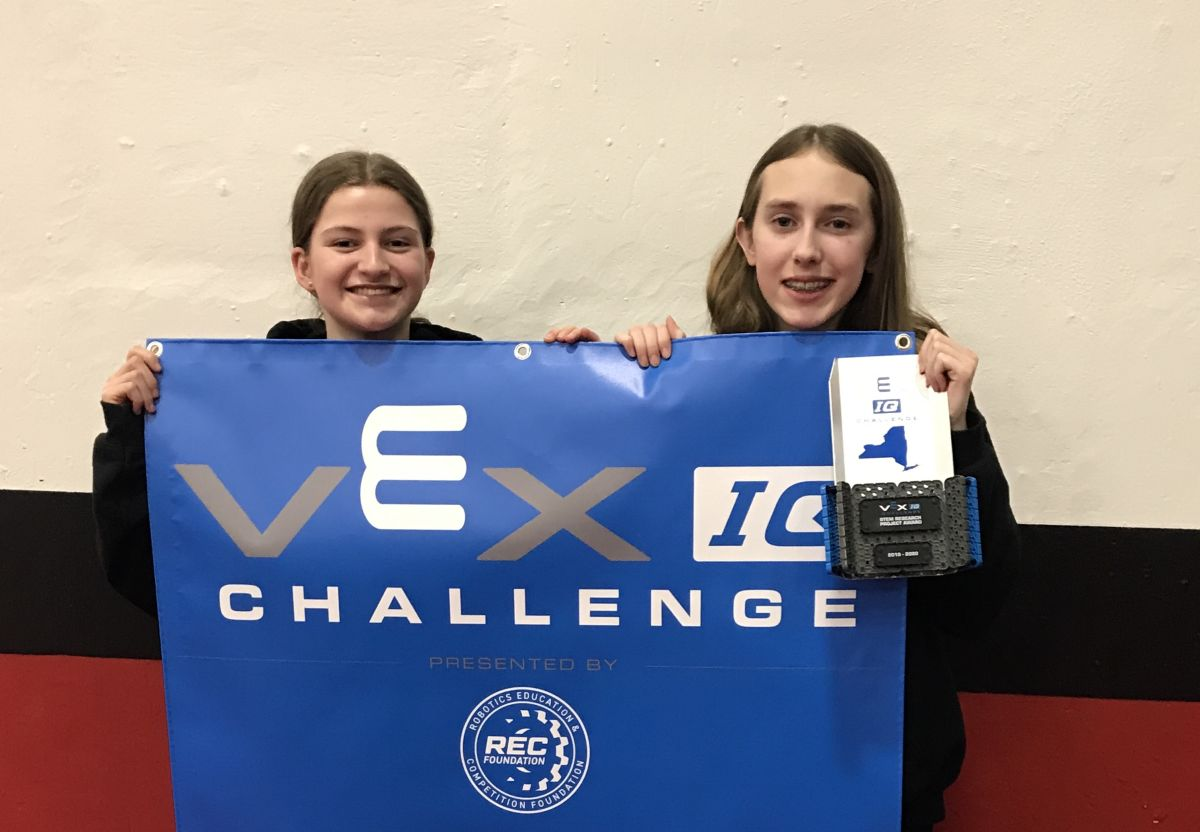 RCDS MS Robotics Teams Impress at the VEX Championship Tournament, Taking Home the STEM Research Award